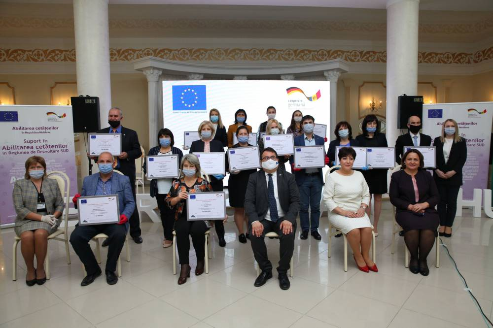 Comunicat de Presă // 15 organizații ale societății civile din Regiunea Sud au primit certificate de grant  din partea Uniunii Europene